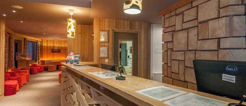 France_Avoriaz_Les-Crozats-apartments_Reception.jpg